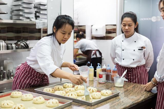 สถาบันสอนทำขนมปัง